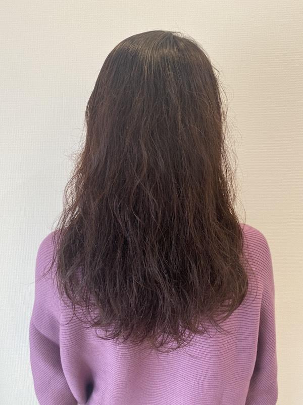 くせ毛のロングスタイル(後ろ)